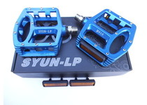 Артикул B910 — Педали SYUN-LP B910 Weight:450g   Black, blue, red, green  Ti